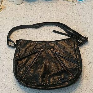 Bueno faux leather purse